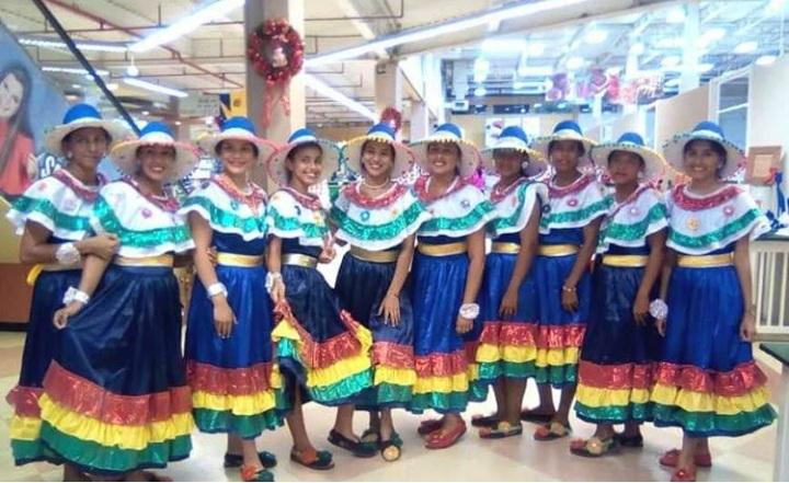 Gobernador felicita agrupación Folklore Cochense al arribar a su 31 aniversario.
